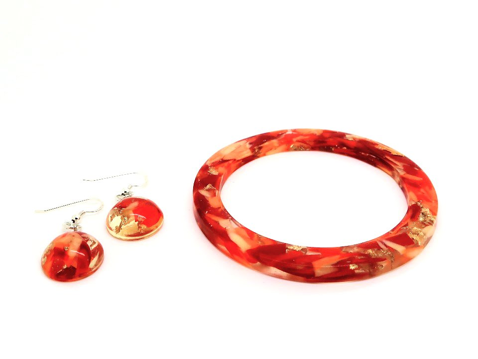 Resin Bangle + Dome Hook Earrings
