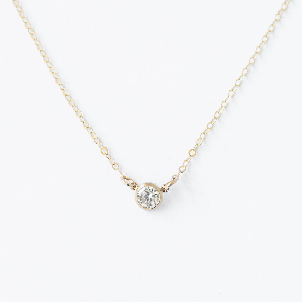 GLORY CRYSTAL NECKLACE