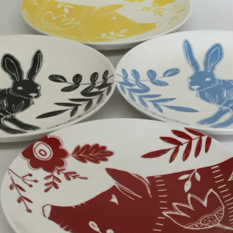 farmhouse plates, mismatched set of bunny and pig plates