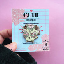 Load image into Gallery viewer, Cutie Skull Hard Enamel Pin