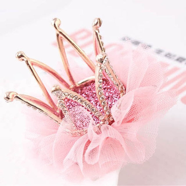 The Gia- A Rhinestone Lace Crown Clip