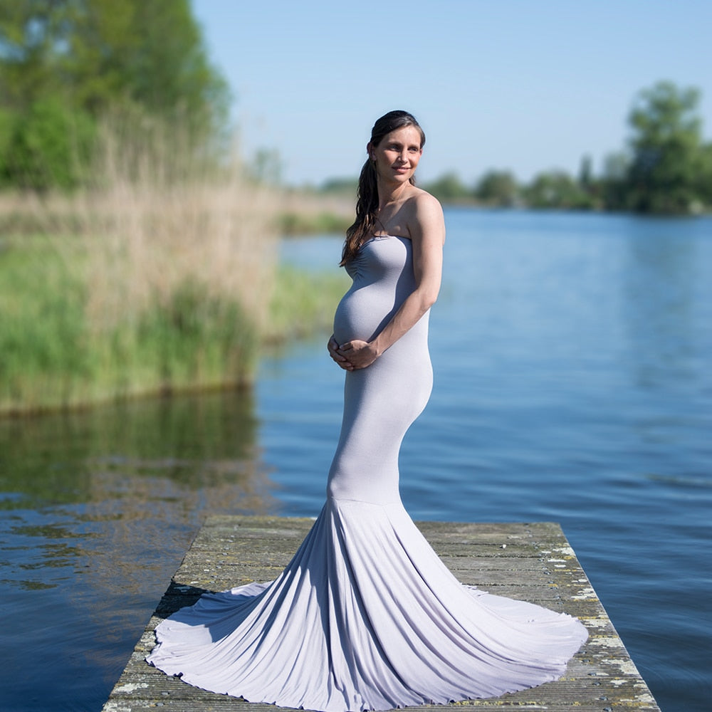 Sleeveless Maternity Gown