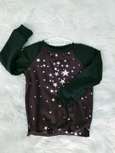 Load image into Gallery viewer, Raglan - Plum Stars - 2/3T