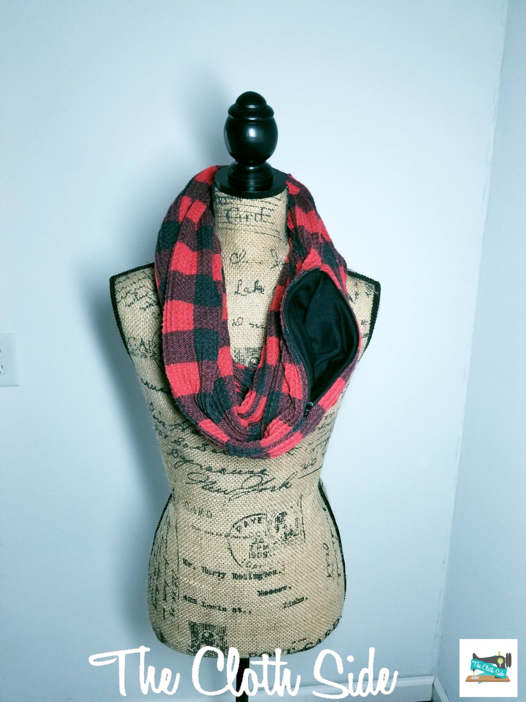 Snack Scarf - Buffalo Plaid with Black Pocket