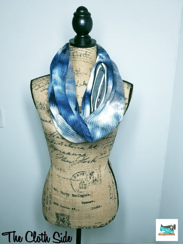 Snack Scarf - Blue Tie Dye with Gray Stripe Pocket