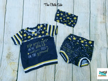 Load image into Gallery viewer, Infant Stars Items - Tees, Bummies, Headbands, Beanies - Newborn and 3 Months