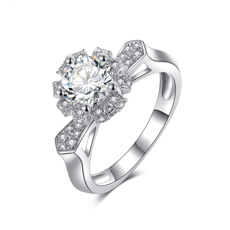 Fashion Flower Shaped Diamond Wedding Ring