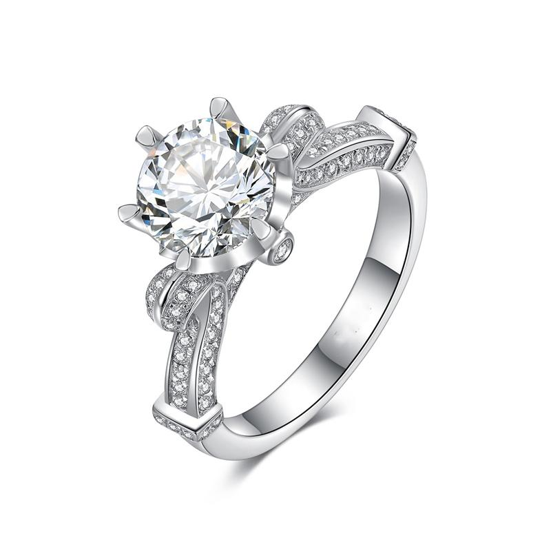 Fashion Six-claw Round Diamond Wedding Ring