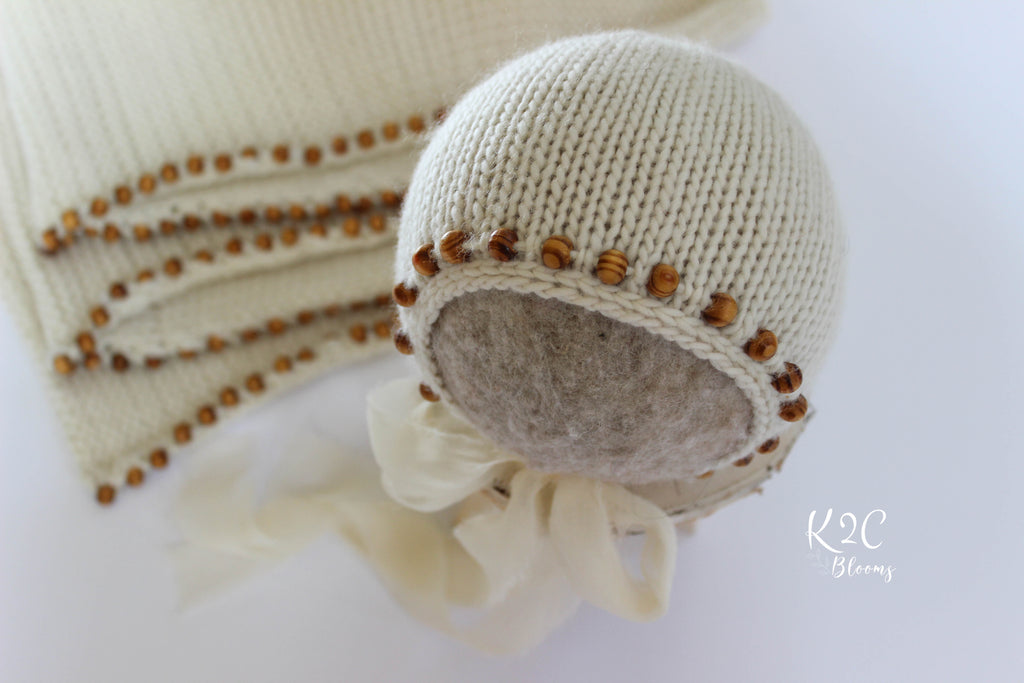 Beaded wraps & bonnet set - Ivory