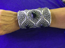 Load image into Gallery viewer, Large Solid Silver Cuff with Onyx Stone from Morocco