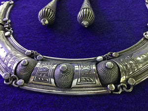 Antique-style Moroccan silver necklace with matching silver earrings