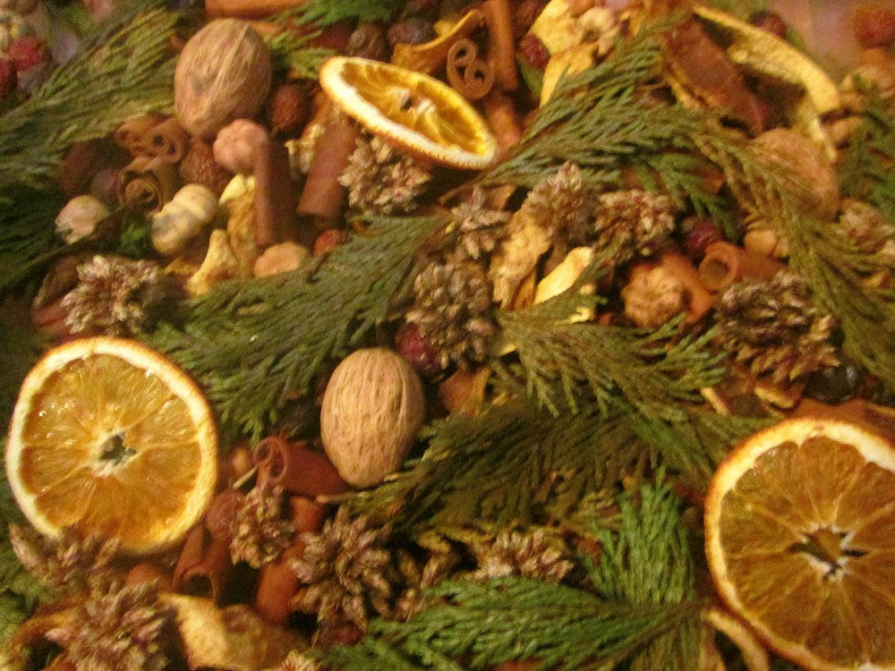 Orange Peel & Clove Handcrafted Potpourri