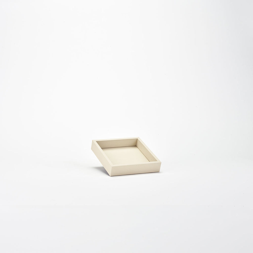 PINETTI SQUARE TRAY M · LIVERPOOL CREAM
