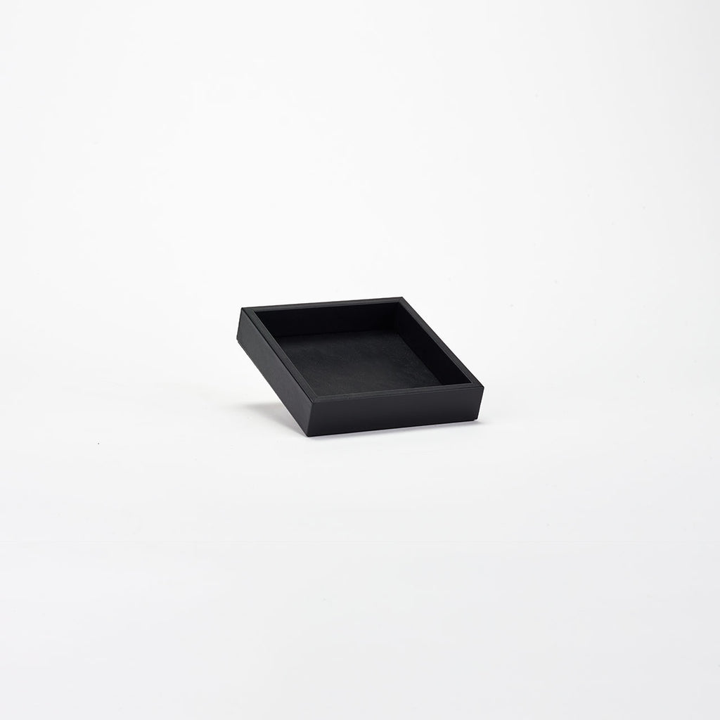 PINETTI SQUARE TRAY M · LIVERPOOL BLACK