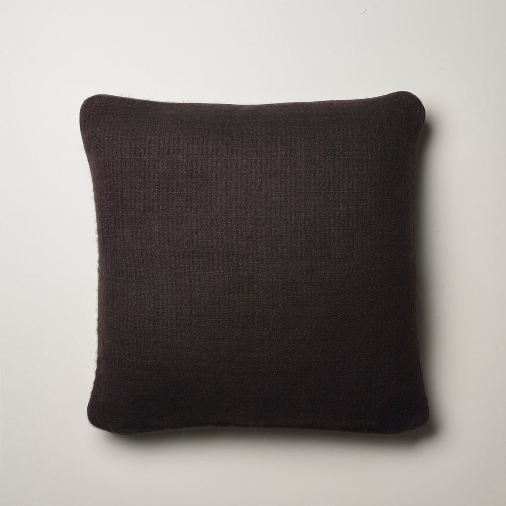 CASHMERE PILLOW FINE WAFFLE WEAVE · CHOCOLATE