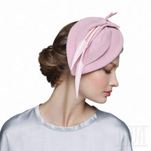 Load image into Gallery viewer, Delicate pink velour fascinator with arrows feathers - DivaHats Boutique