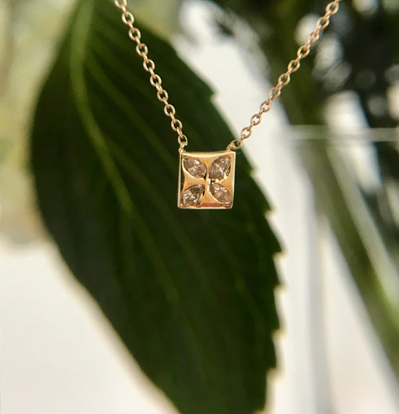 Flower Shape Square Necklace