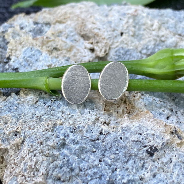 Oval Reflection Studs