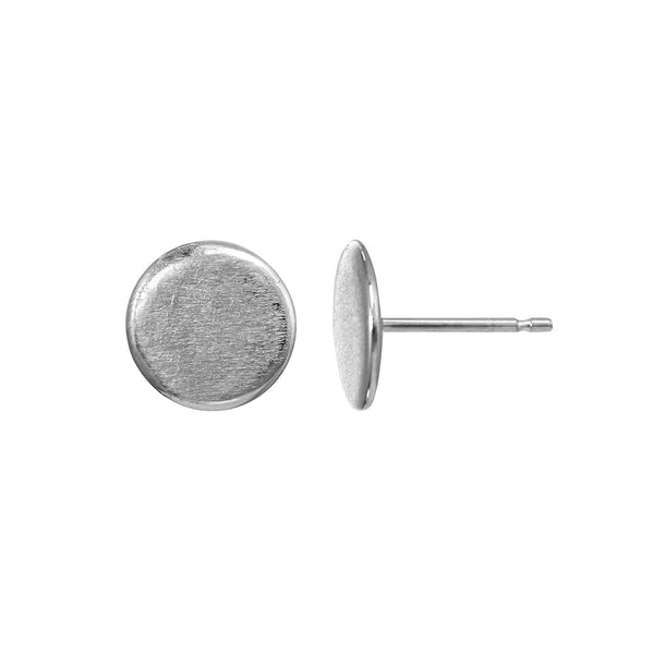 Small sterling silver circle stud earrings.