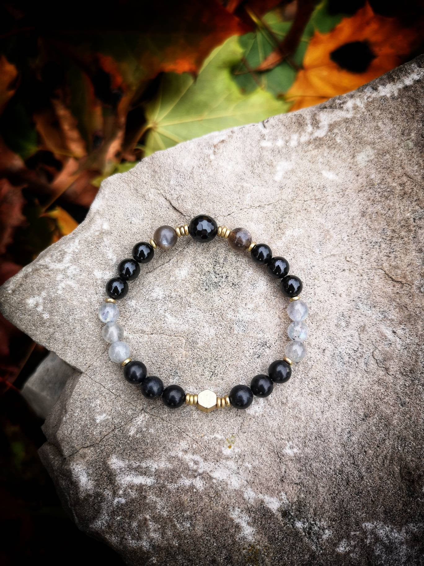 anxiety relief tarot healing crystals for cancer treatment emf protection 5g protection empath jewelry celestial Shungite bracelet