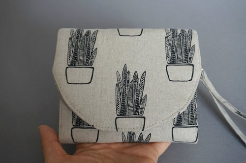 Aloe Vera Print Cotton Linen Fabric Handmade Wallet Purse - Wristlet Slim Purse for Women