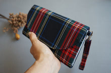 Load image into Gallery viewer, Blue Red Plaid Wristlet Fabric Wallet for Women
