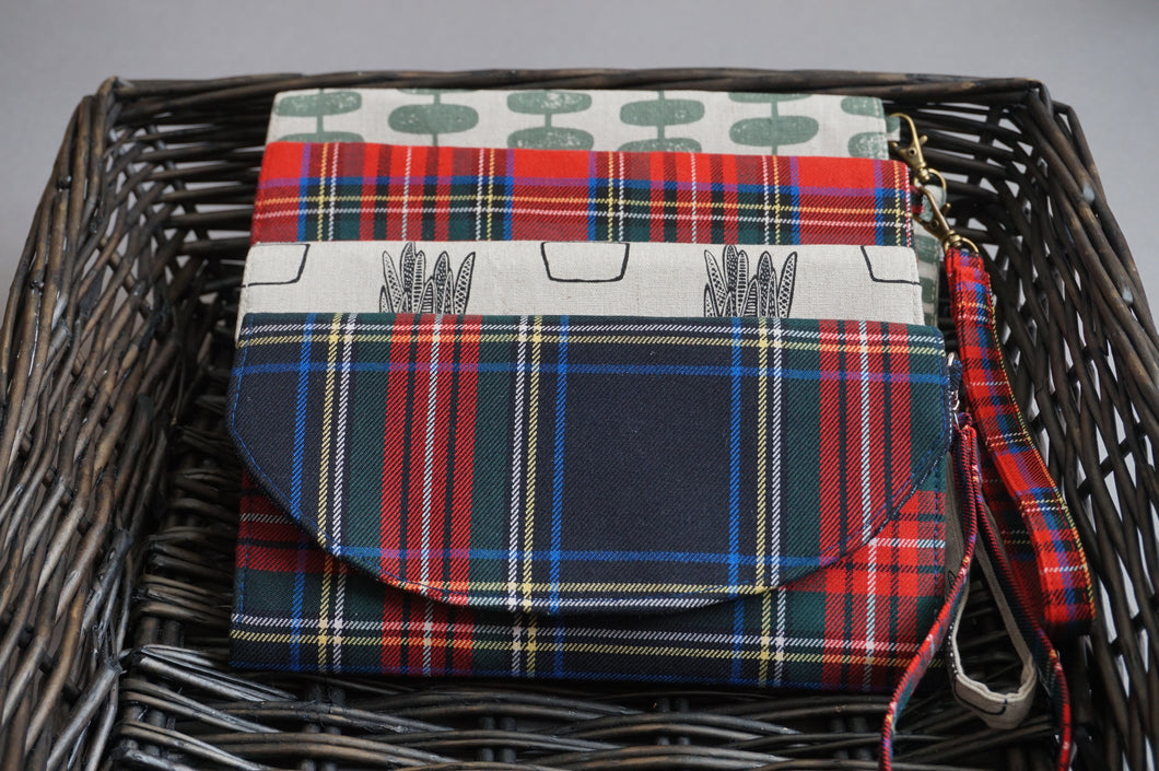 Blue Red Plaid Wristlet Fabric Wallet for Women