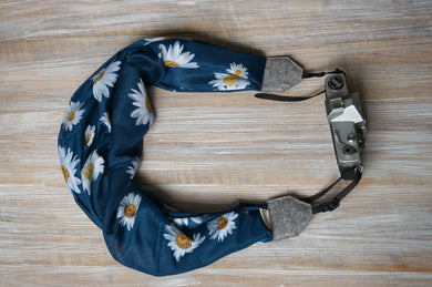 Teal Green Daisy Scarf Camera Strap - Camomile Flowers Shawl Camera Strap