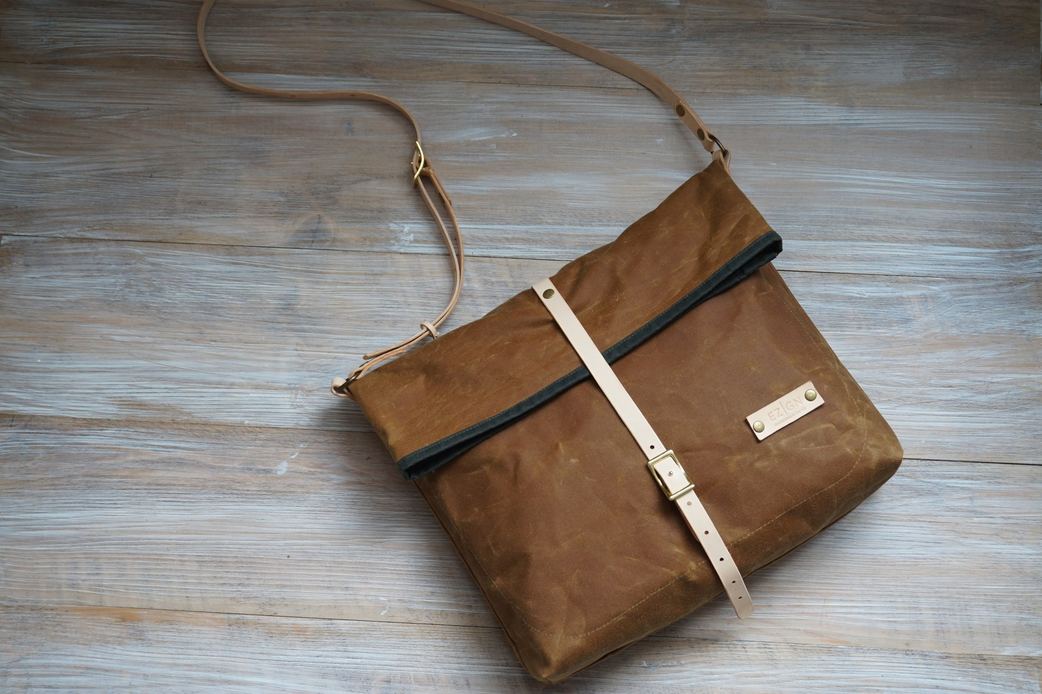 e48c6730ea5e Load image into Gallery viewer, Gold Wax Canvas Cross Body Bag - Everyday  Bag style ...