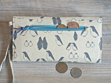 Load image into Gallery viewer, Penguin Wristlet Wallet for Women - Animal Theme Purse