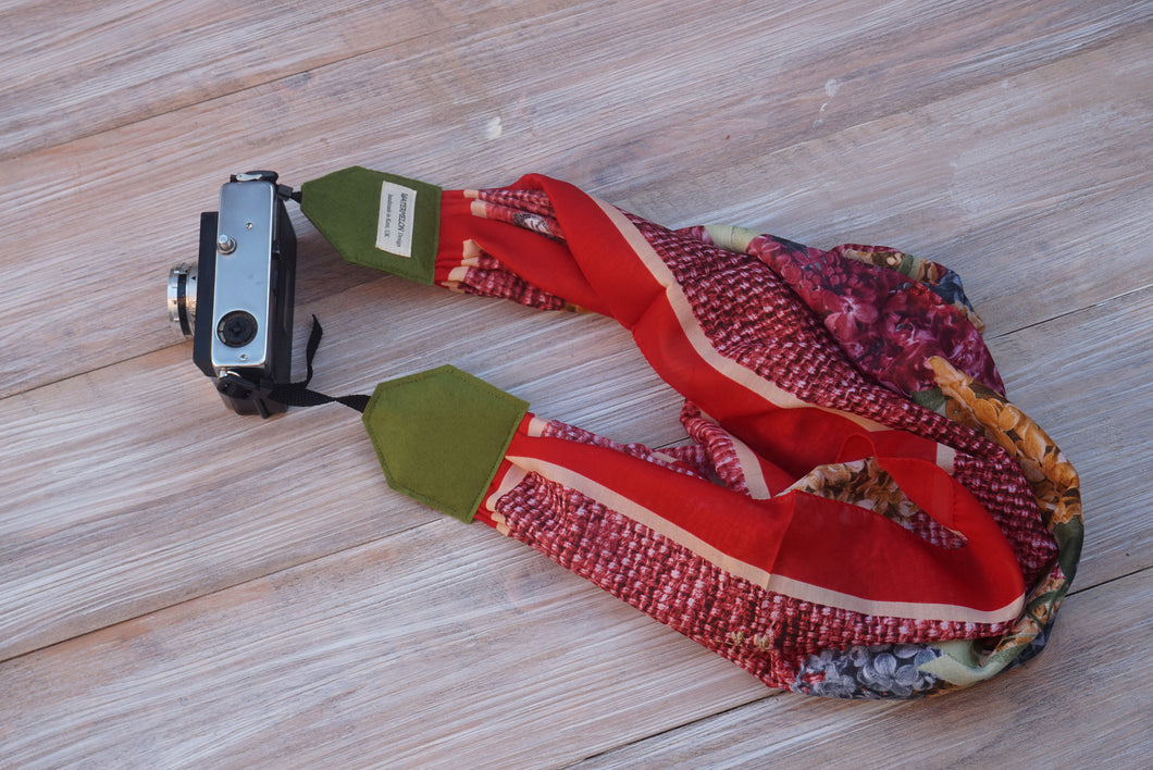 Red Scarf Camera Strap -  Red Green Scarf DSLR Camera Strap - Camera Geeks -  Red DSLR Strap -Camera Accessories