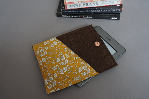 WOOL Felt Kindle Case with Liberty of London Floral Contrasts