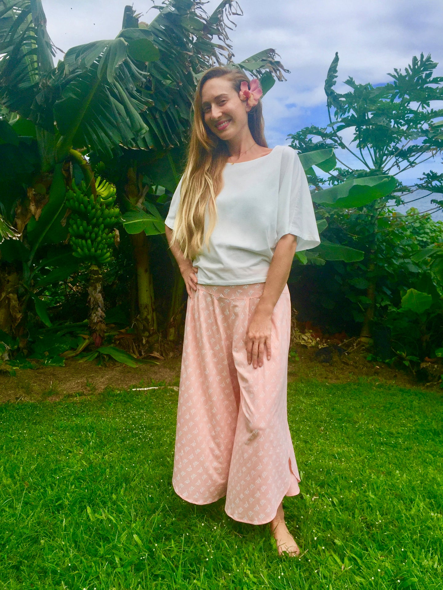 Organic cotton pants, organic cotton, sustainable cotton, sustainable clothing, moa cullote pants, ti and coco maui, hawaii, women's pants, women's organic cotton, coral organic cotton, hawaii, sustainable clothing, eco-conscious clothing