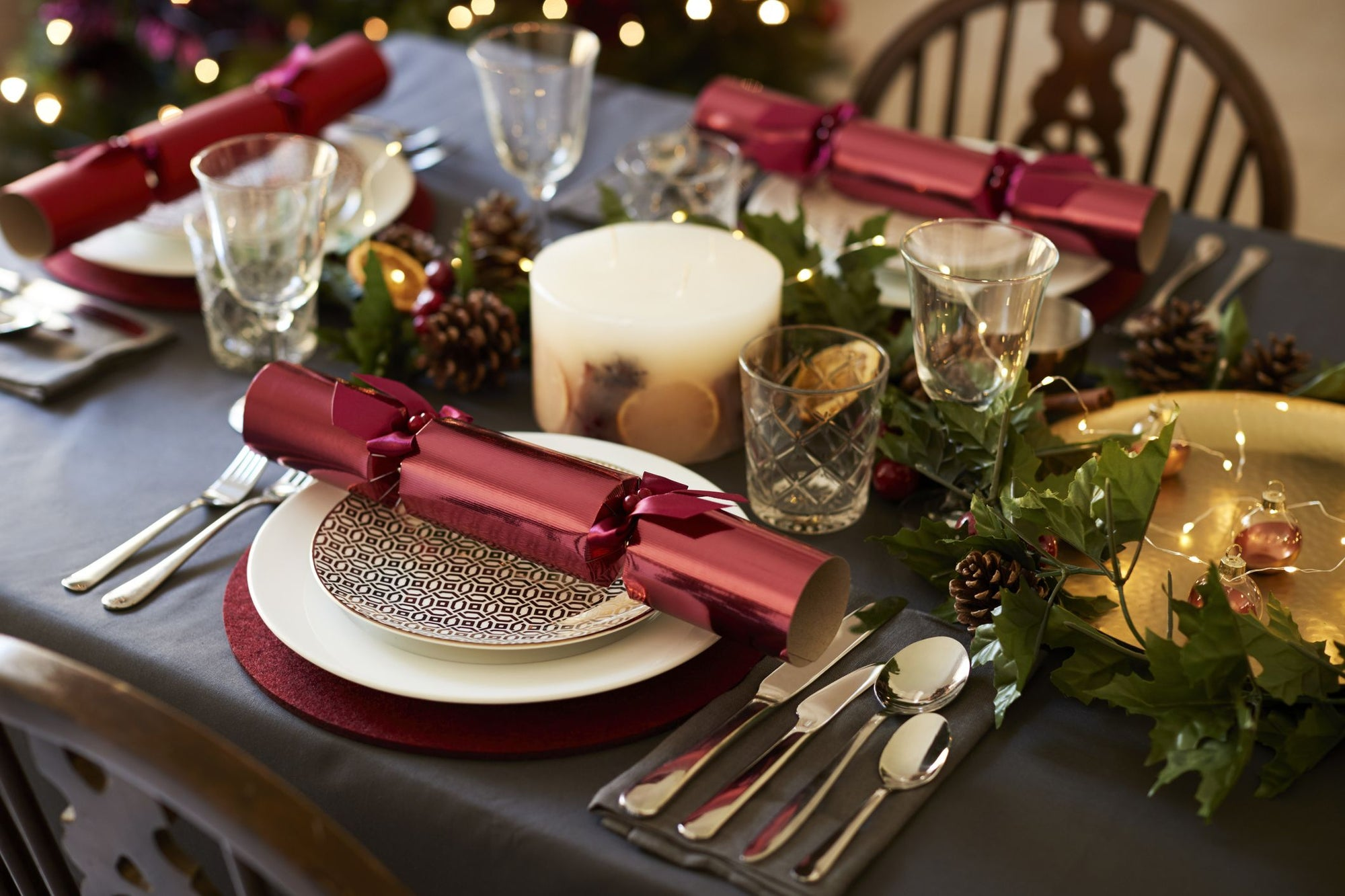 Christmas Table Decorations & Place Settings