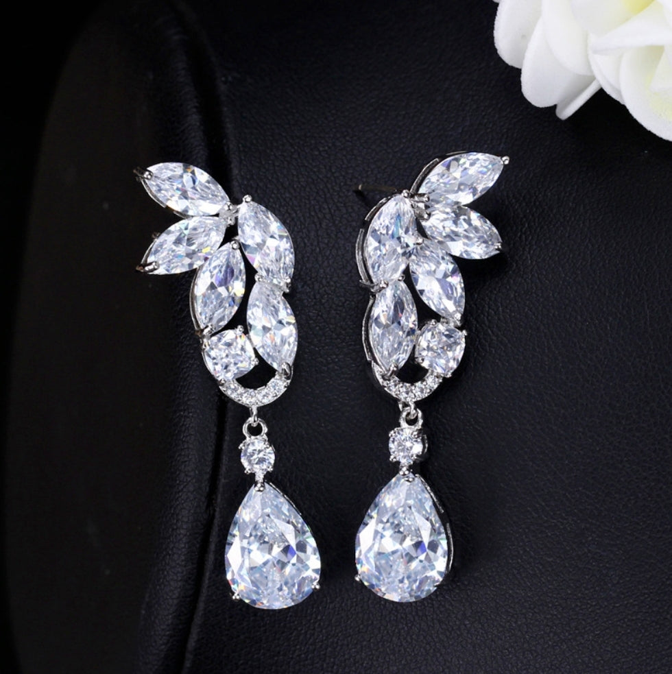 Fashion Drop Earrings - Swank & Swagger