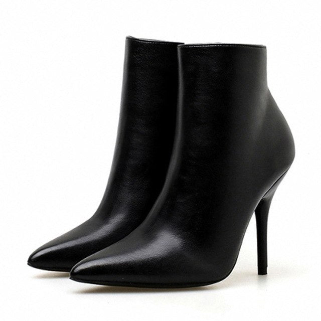Women's Sexy Pointed Toe Boots - Swank & Swagger