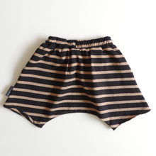 Load image into Gallery viewer, STRIPED SHORTS