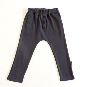 BUTTON PANTS IN DARK GREY