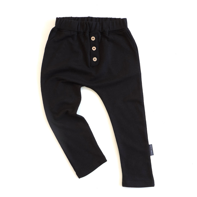 BUTTON PANTS IN BLACK