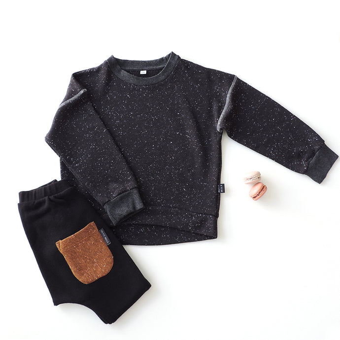SET OF SPACE SWEATSHIRT AND BLACK PANTS