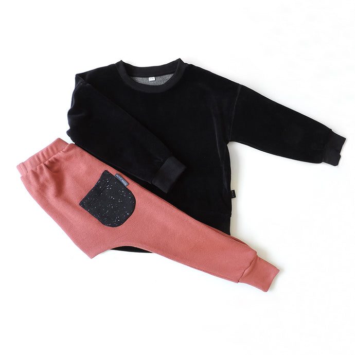 SET OF VELVET SWEATSHIRT AND RUST PANTS