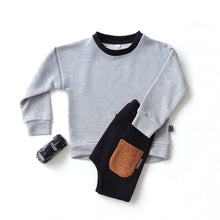 Load image into Gallery viewer, SET OF GREY SWEATSHIRT AND BLACK PANTS