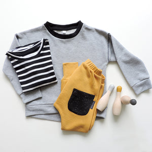 HEATHER GREY SWEATSHIRT