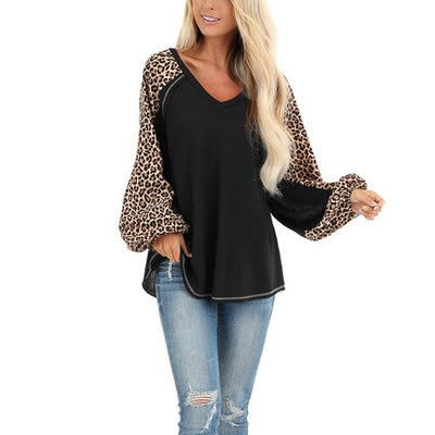 V-Neck Long-Sleeved T-Shirt