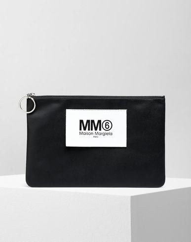 LOGO TAB ZIP LEATHER POCHETTE