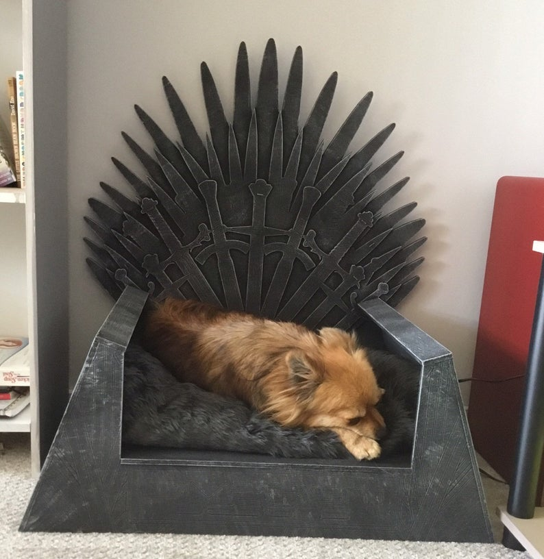 Pica Fire Throne Pet Bed