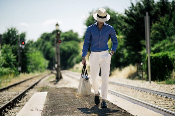 How to Roll a Panama Hat