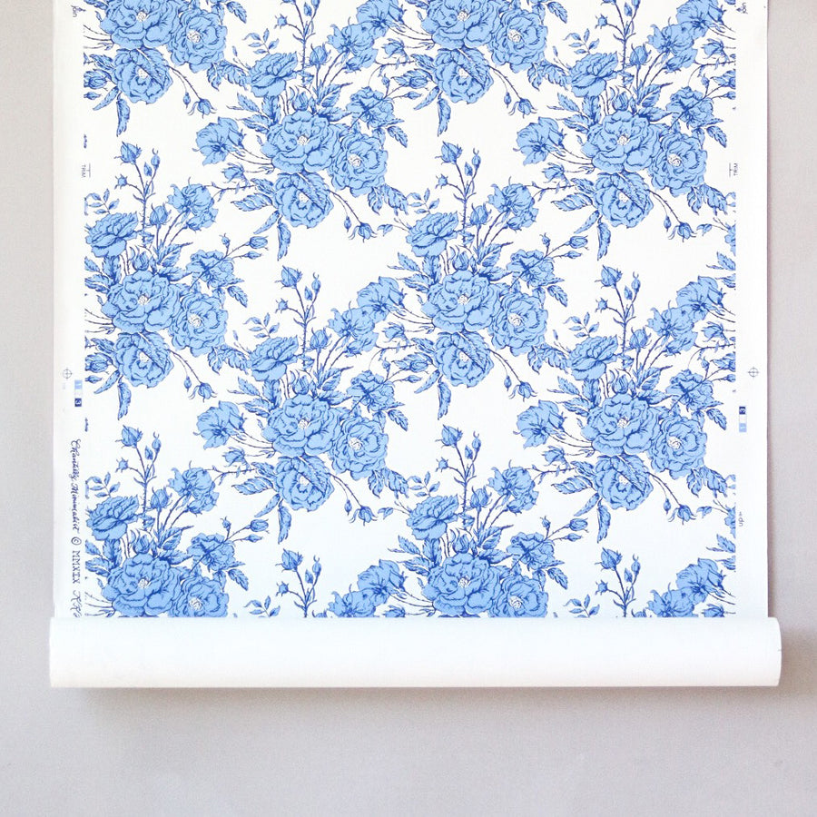 Chantilly Minimalist Wallpaper - Perrie Blue