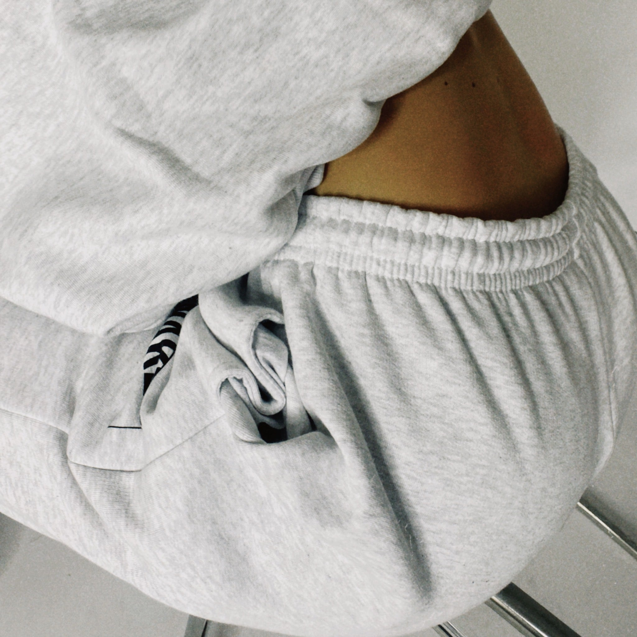 THE UNISEX TRACKPANT GREY