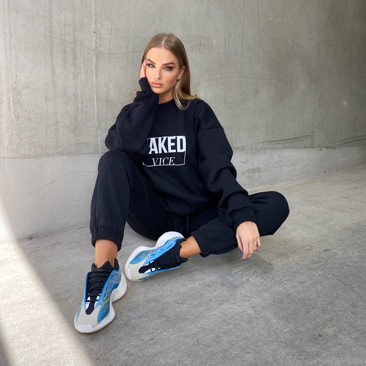 THE UNISEX CREW JUMPER BLACK